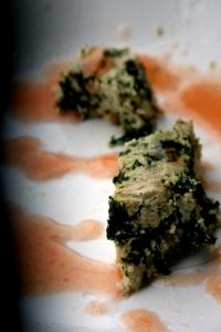 Tofu al Chenopodio con Salsa di prugne selvatiche